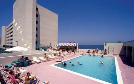Beach quarters 1 bedroom timeshare resale interval for Affordable pools virginia beach